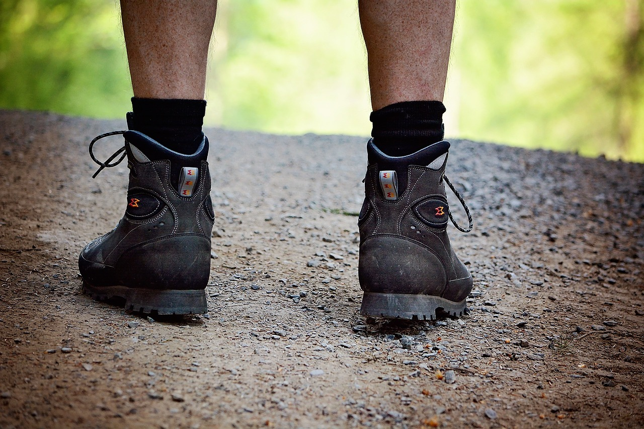 Which hiking shoes to buy?