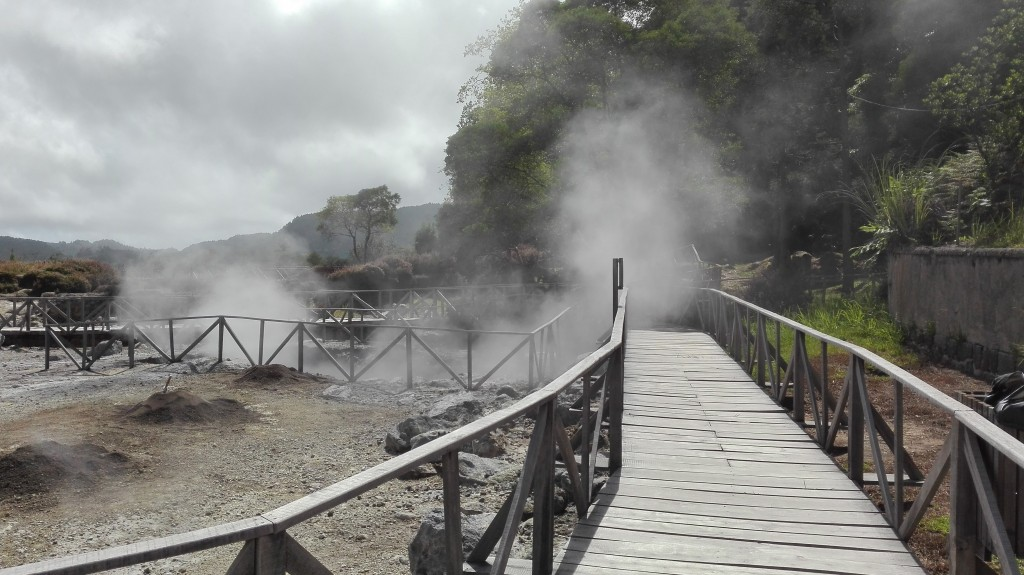 Hot springs next to Furnas Lake