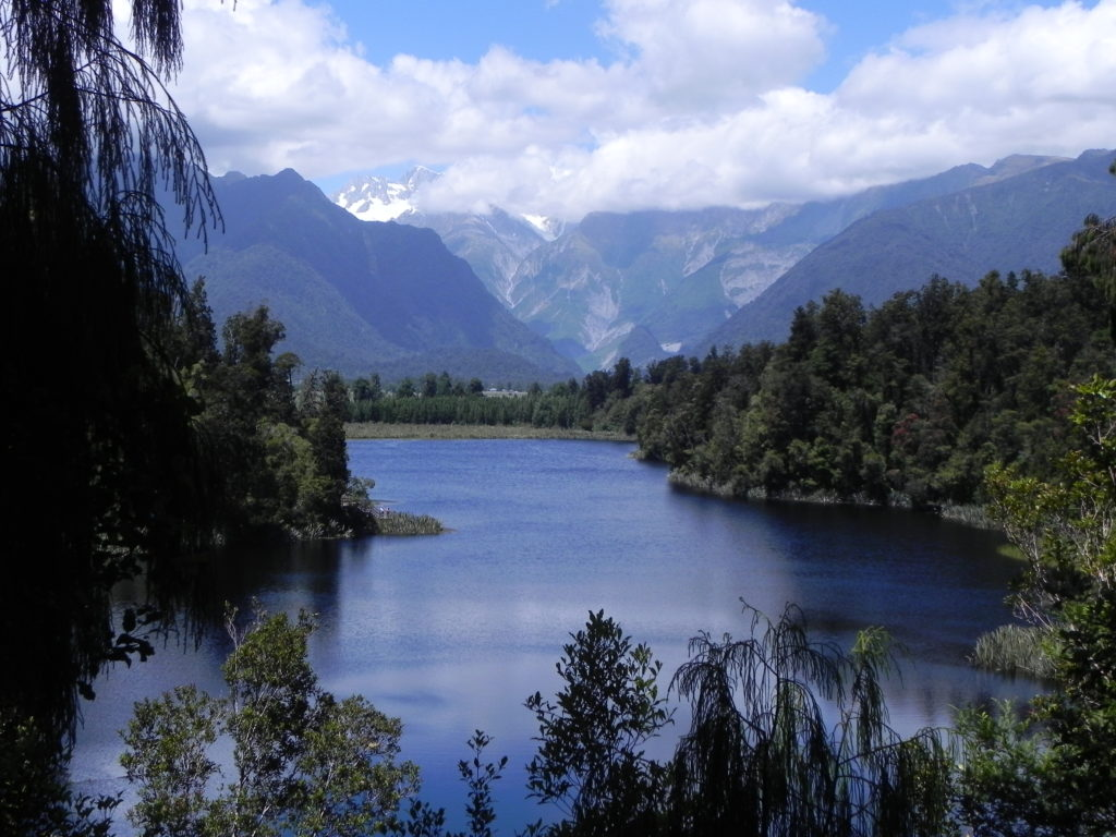 Lake Matheson circular walk.
