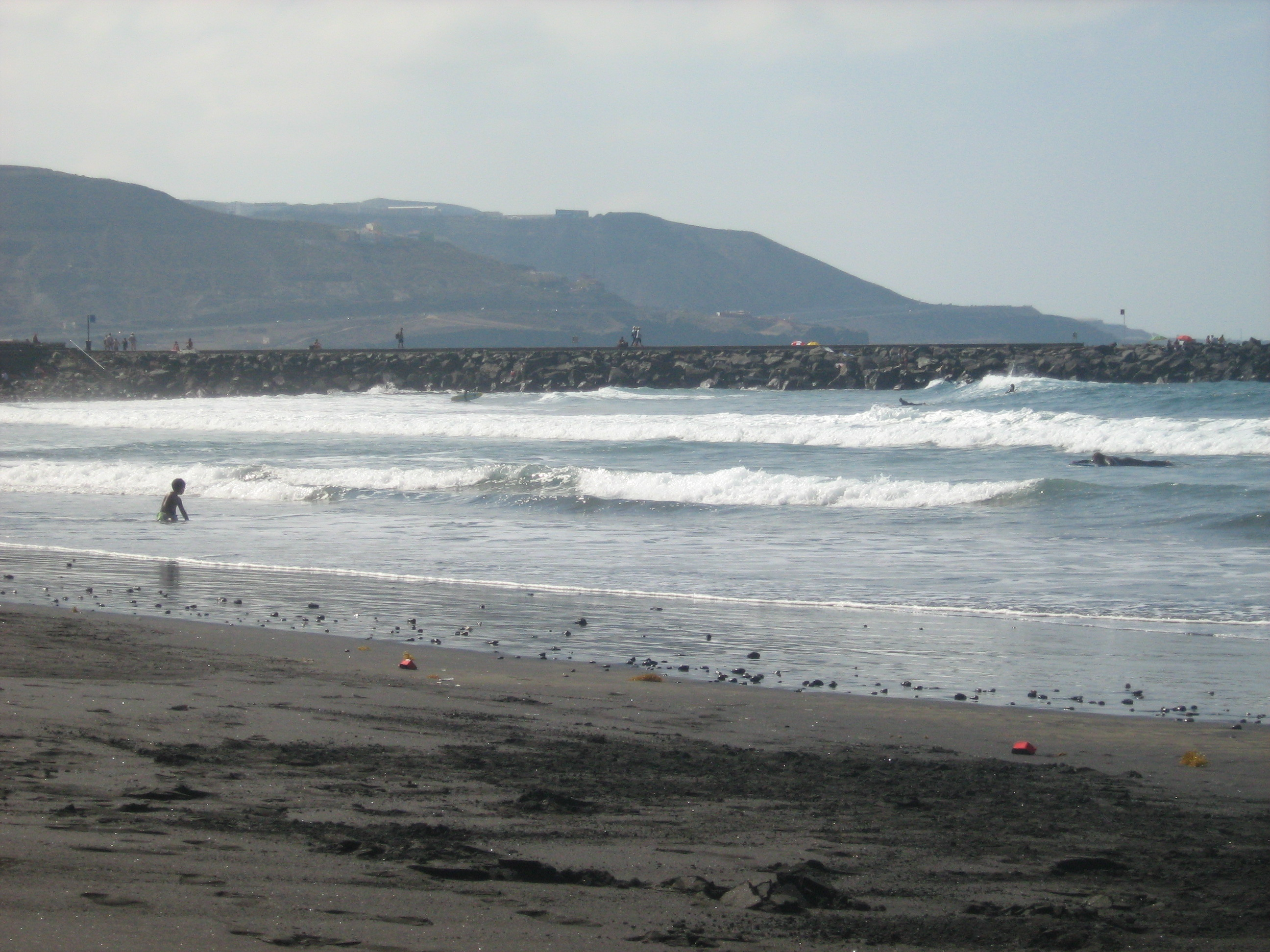 Surfing in Las Palmas, Gran Canaria