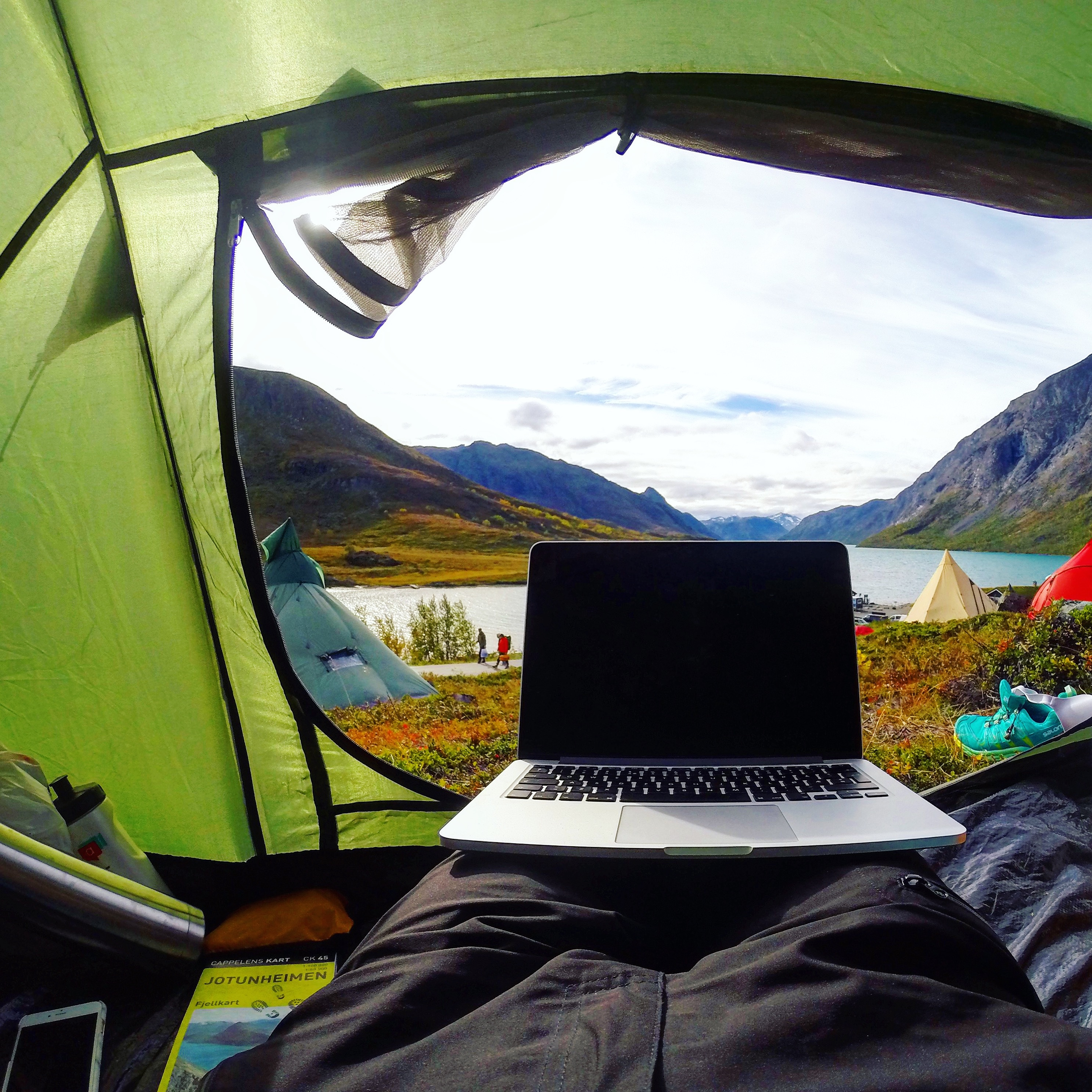 Best tablet and laptop for travel