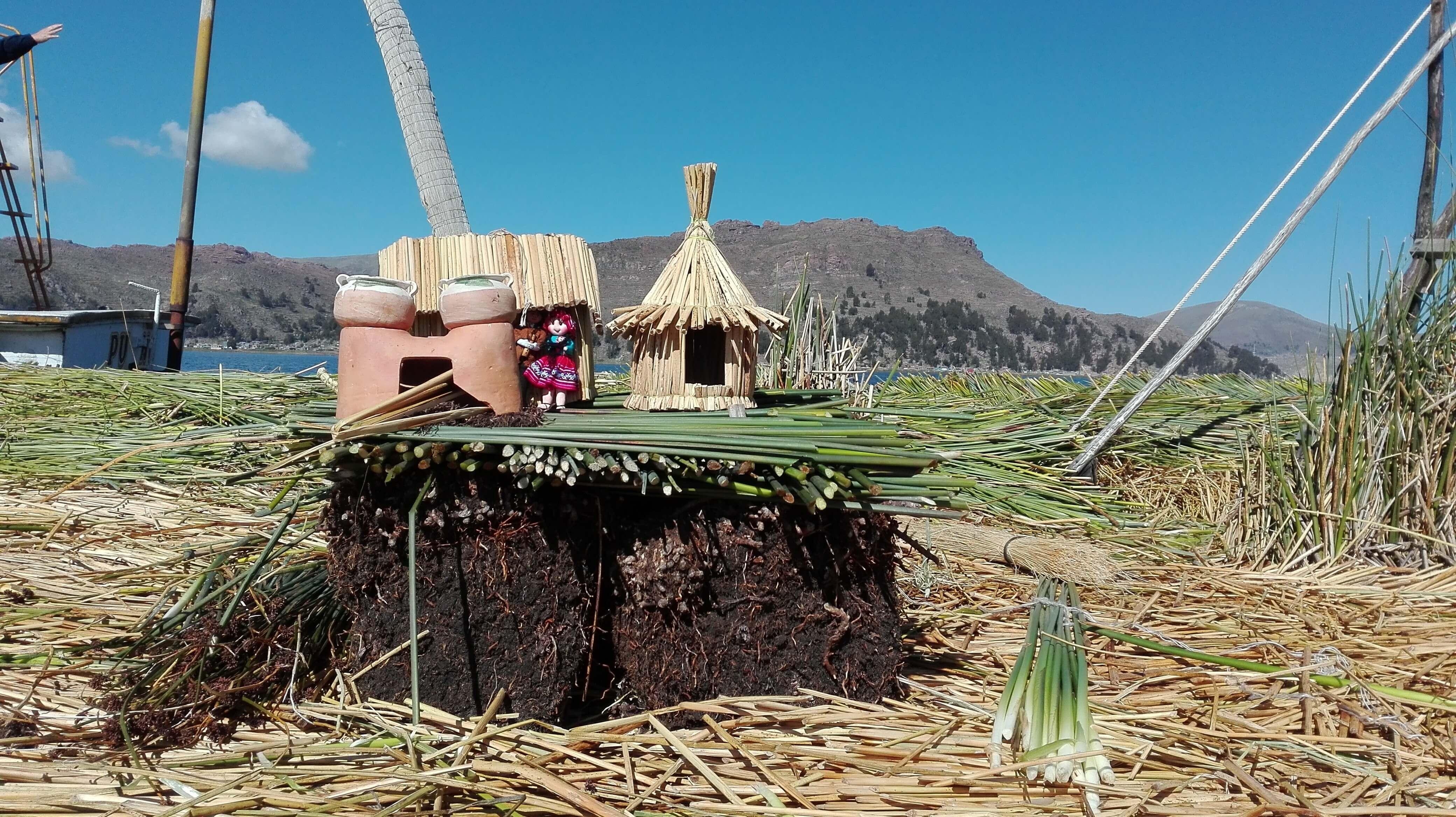Uros island life