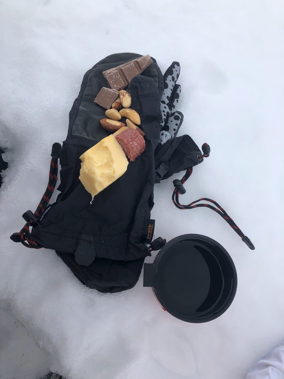 trail-snacks-hiking